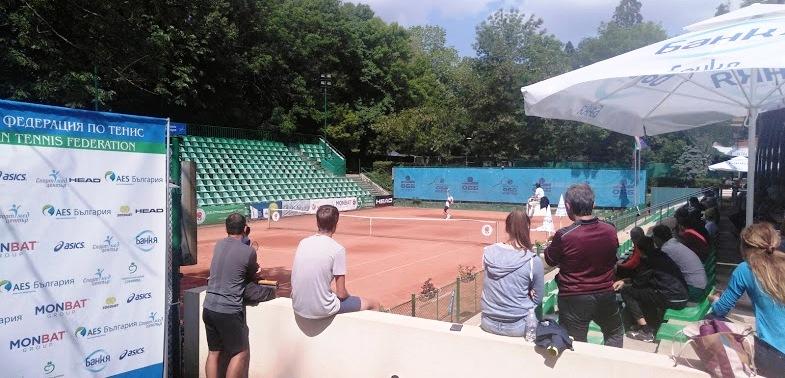 Илиян Радулов игра силно срещу дошлия като №1 в Европа, Ярослав Демин спечели Bulgaria Cup на Националния ОББ тенис център