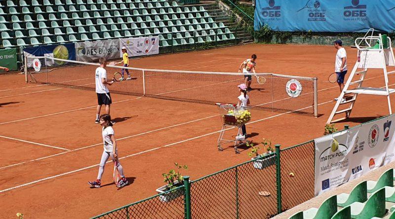 Десетки деца играха безплатно тенис в деня на отворените врати в БНТЦ