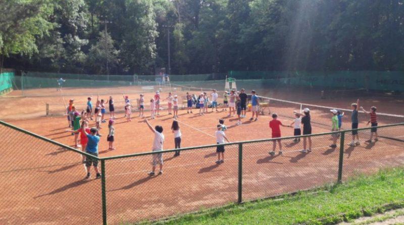 Сезон 2021: Започват летните лагери за деца в Националния ОББ тенис център